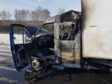 На трассе М-7 у Набережных Челнов сгорела «Газель». Взрыва газового баллона удалось избежать.