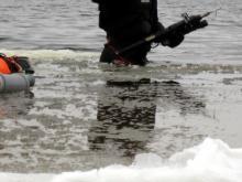 Челнинские водолазы ищут подводного охотника, который нырнул в реку Зай и пропал