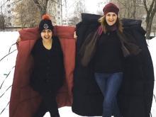 Телеведущая Ольга Шелест отрекламировала в Набережных Челнах пуховики-одеяла