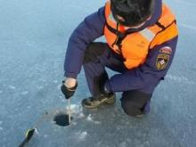 Лед на реке Кама возле Набережных Челнов до сих пор имеет толщину в 27-30 сантиметров