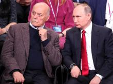 Владимир Путин отвечает на вопросы про еду и мультики. И рассказывает анекдот