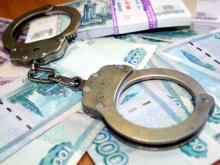 Челнинец, в гараже которого нашли 3 тонны алкоголя, предложил полицейскому взятку в 100 000