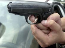 На трассе 'Казань - Оренбург' расстреляли машину. Нападавшие требовали денег за ремонт квартиры