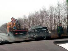 На трассе Елабуга - Ижевск в столкновении с автомобилем 'Порше' погибли 2 человека на 'ВАЗ-21099'