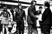 Владимир Высоцкий на 'КАМАЗе': как театр на Таганке проходил проверку перед гастролями